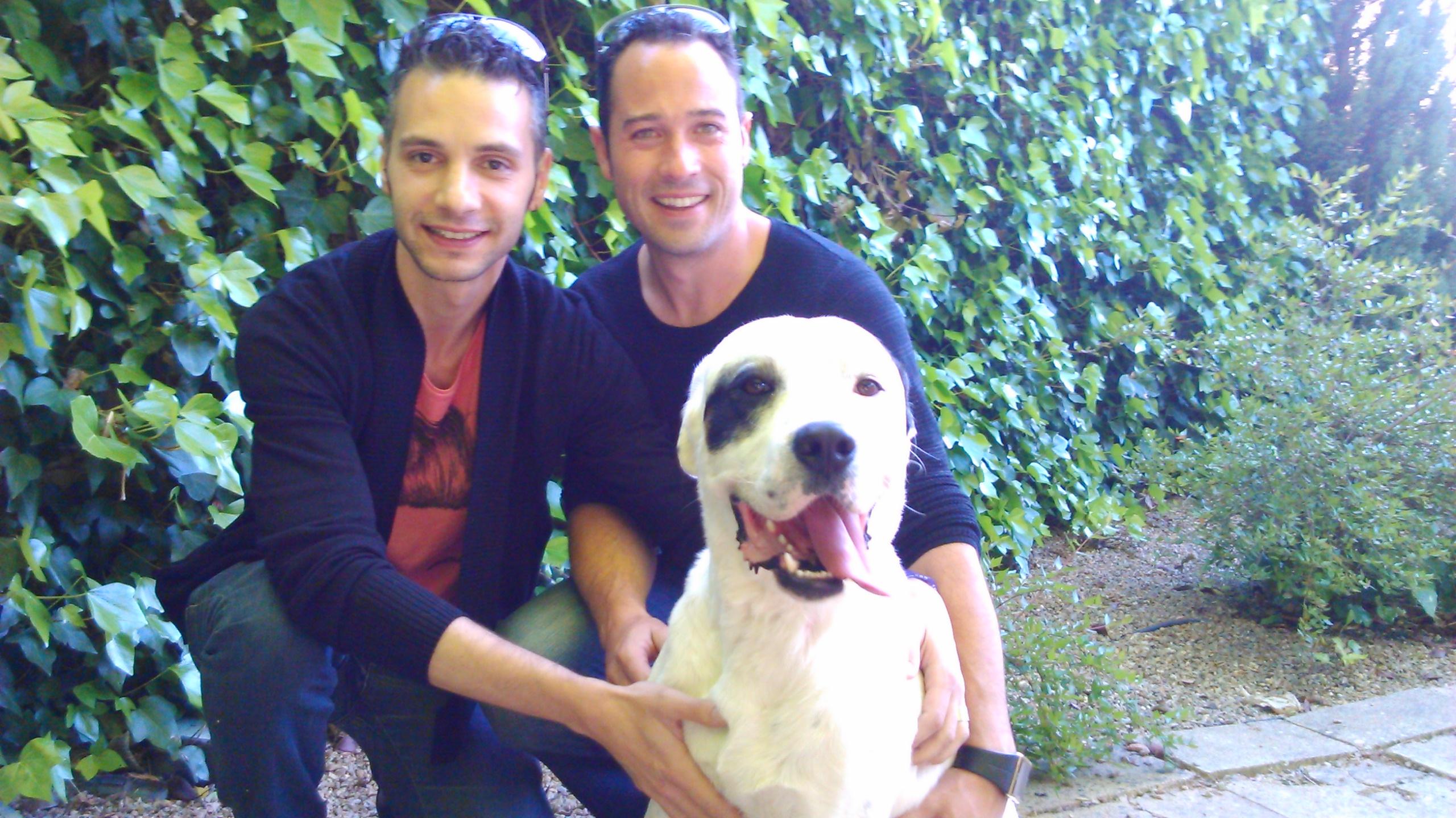 Perros y sus dueños en Peludos Residencia Canina y Felina